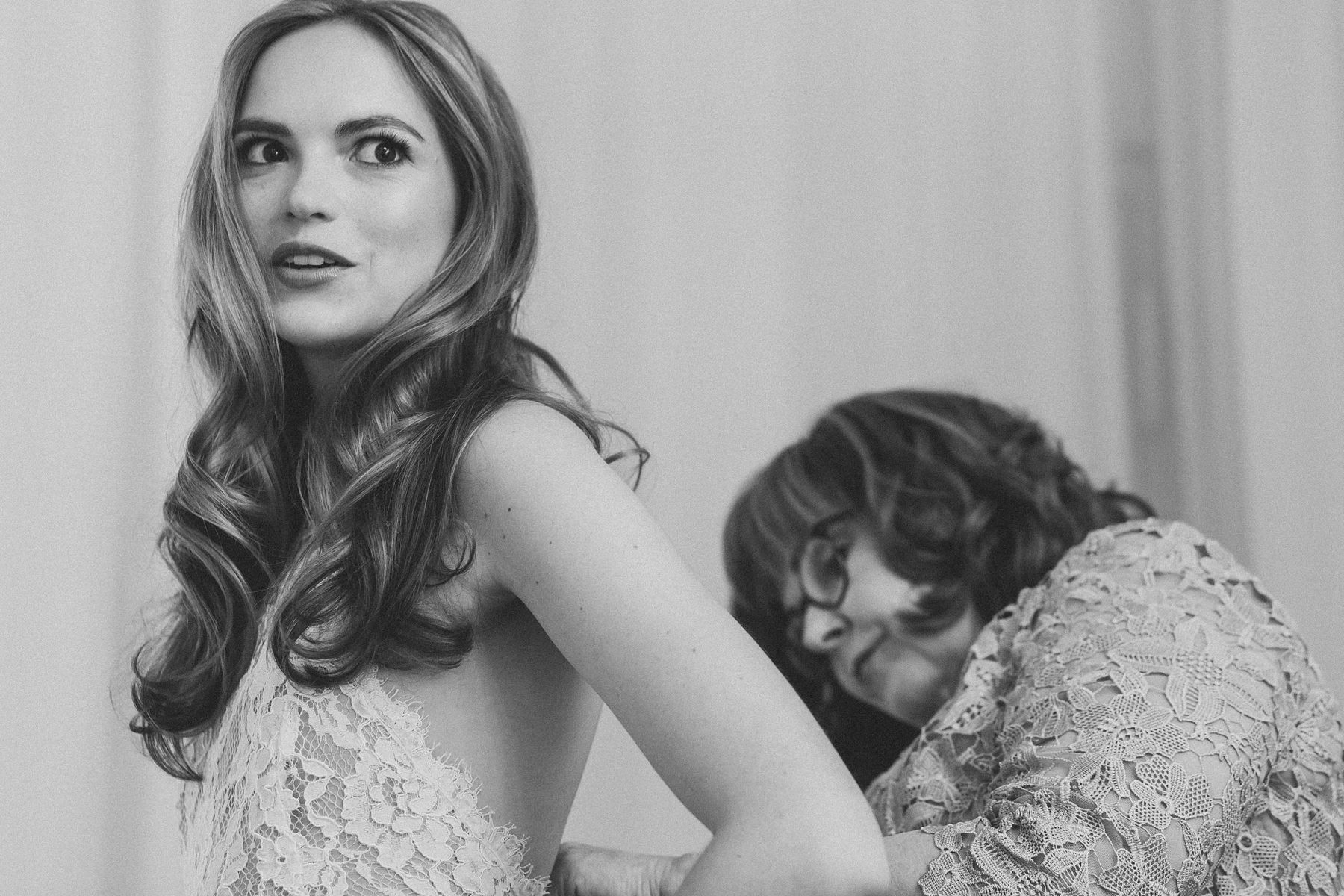 Black and White Getting Ready Pictures - Brooklyn Wedding Photography