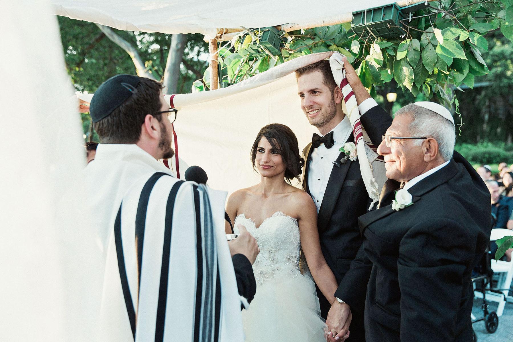 Best Jewish Wedding Ceremony Photos - Cool Jewish Wedding Photographers